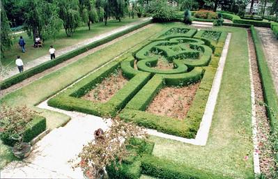 Gardens Bảo Đại summer palace Đà Lạt Việt Nam - Aug 2002