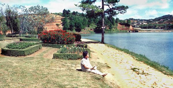 Phương Hồ Thang Thở Lake of Sighs Đà Lạtg Việt  Nam - Aug 2002