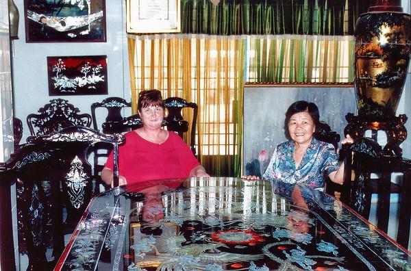 Gill and Minh Inlaid showrrom Bình Dương Việt Nam - Jul 2002