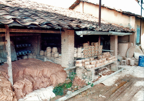 Pottery clay Bình Dương Việt Nam - Jul 2002