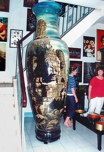 Vase Inlaid showroom Bình Dương Việt Nam - Jul 2002