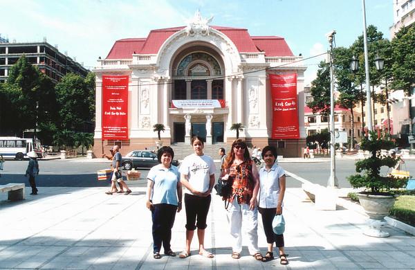 Phượng, Lan, Gill and Hương in front of the municipal theatre Saigon - Thành Phố Hồ Chí Minh Việt Nam - Jul 2002