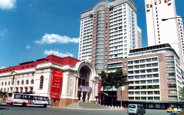 Municipal theatre anf the Caravelle hotel Saigon - Thành Phố Hồ Chí Minh Việt Nam - Jul 2002