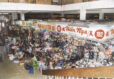 Shoes Chợ Bình Tây Bình Tây market Chợ Lớn Saigon - Thành Phố Hồ Chí Minh Việt Nam - Jul 2002