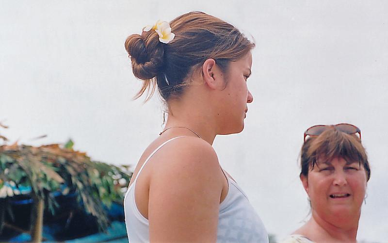 Lan and Gill Lang Minh Mạng Huế Việt Nam - Aug 2002