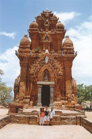 Tháp Chàm Khmer tower Phan Rang Việt Nam - Aug 2002