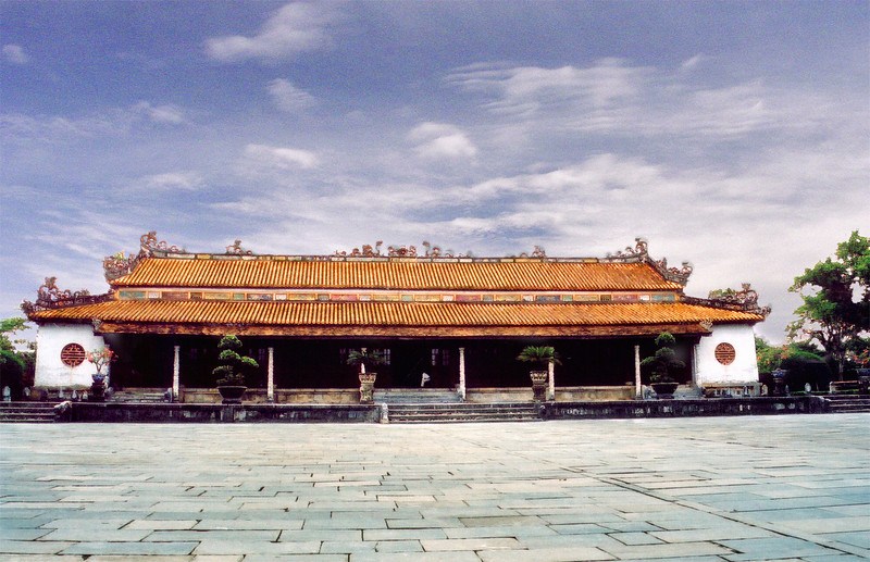 Hoa Khiêm temple Lang Hoàng Ðế Tự Ðức Tomb of emperor Tự Ðức Huế Việt Nam - Aug 2002