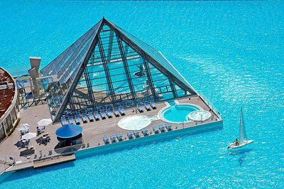 World's largest pool at San Alfonso del Mar resort in Chile.
