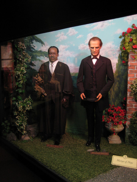 Royal London Wax Museum<br /> Dr. M.L. King Jr and Abraham Lincoln
