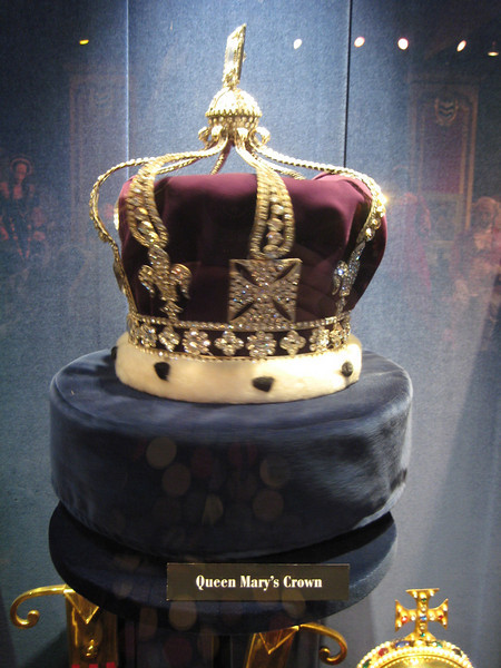 Royal London Wax Museum<br /> Queen Mary's Crown