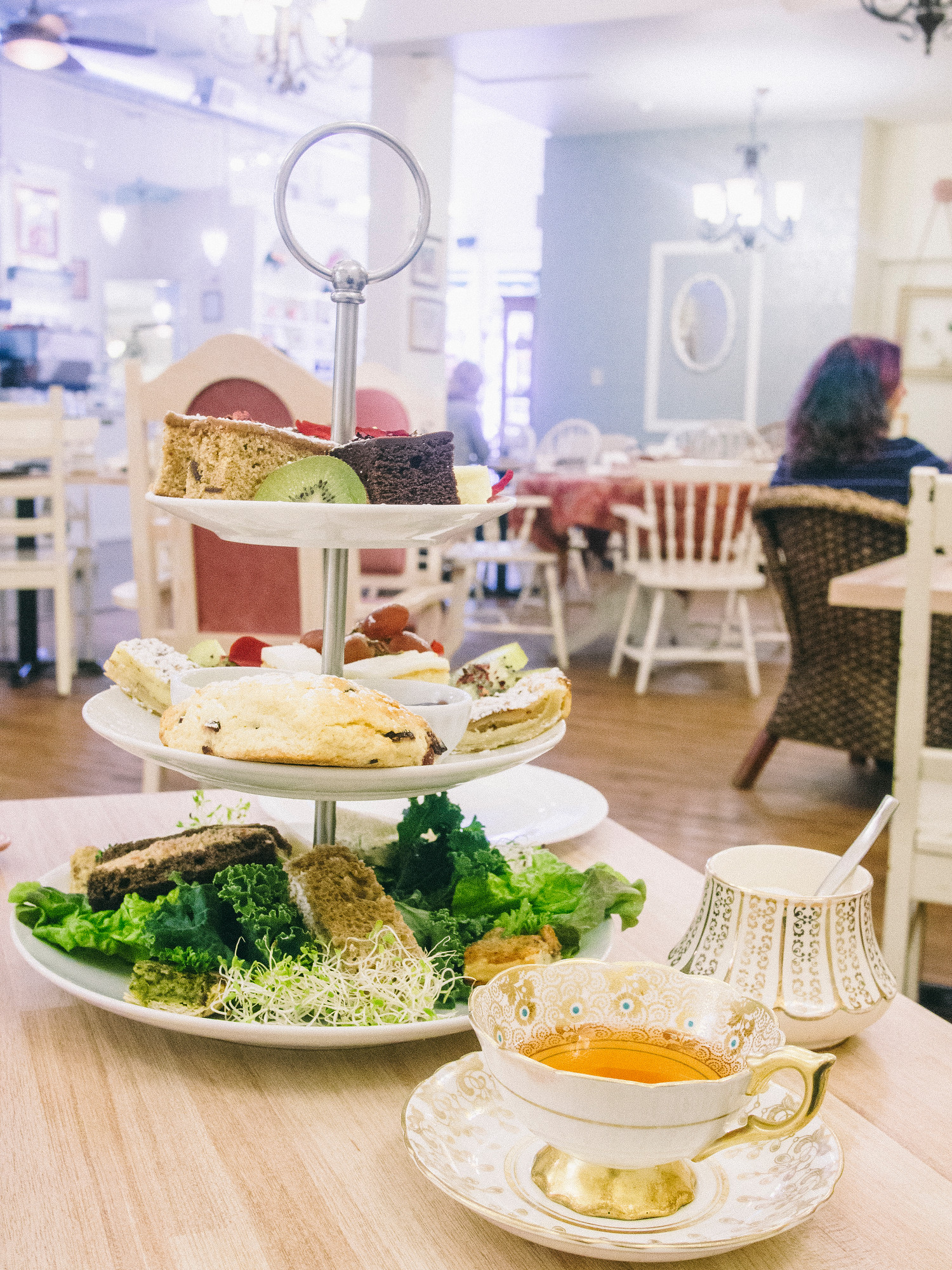 Venus Sophia Tearoom is one of the best vegetarian restaurants in Victoria. #vegetarian #vegan #Victoria