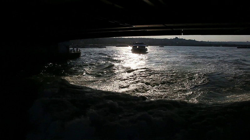Boatride, seeing the Istanbul Galata Bridge from below... (duration: 00:13)
