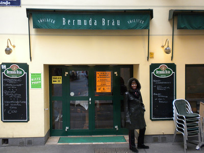 A Bermuda restaurant and bar in Vienna!