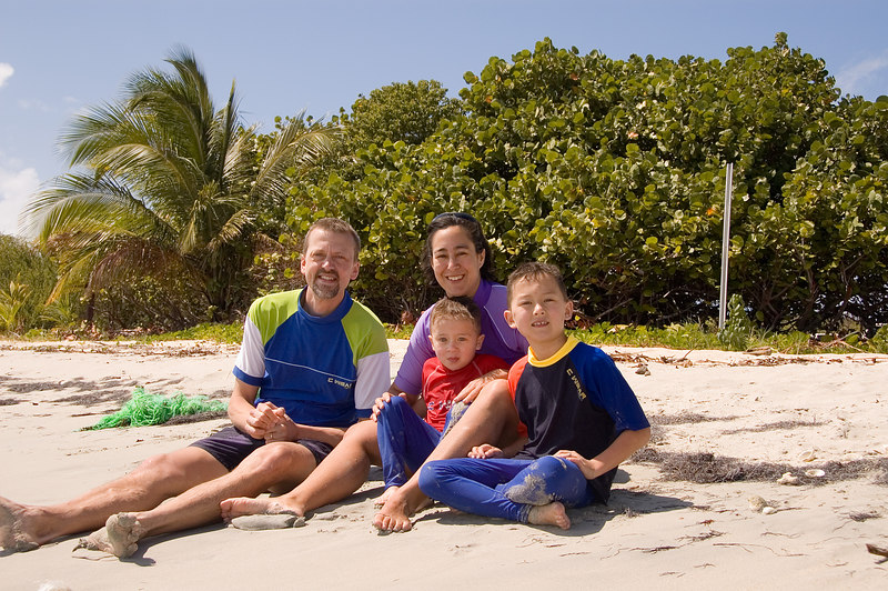 family_beach_vieques