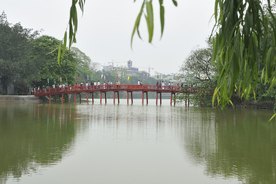 Hanoi, Ngoc Son Temple in the Hoan Kiem Lake, Sun ray bridge