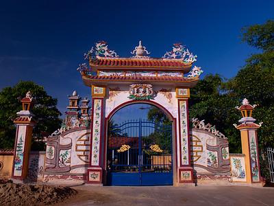 Vietnam Tomb and Bao Dai's Khai Dinh Tomb