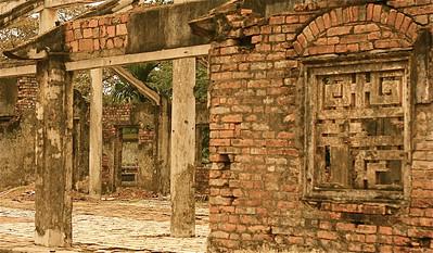 De Verboden Stad van Hué is zwaar beschadigd tijdens de Vietnam-oorlog. Keizerlijke Citadel, Hué, Vietnam.