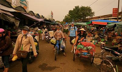 Markttafereeltjes. Dong Ba Market, Hué, Vietnam.