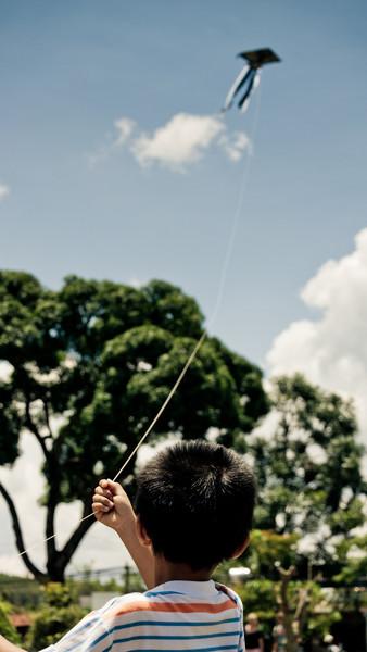 Kite flyer, Elephant Falls