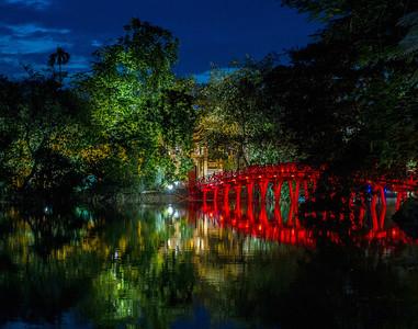 Huc Bridge, Hoan Keim Lake, Hanoi Vietnam