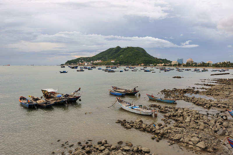 This is the harbour at Vung Tau.  Amusingly Vung Tau is mentioned in Apocalypse Now as the place Col. Kilgore wants to go at the very end to surf...kept ending up in places I've heard of in history or movies about Vietnam before coming...
