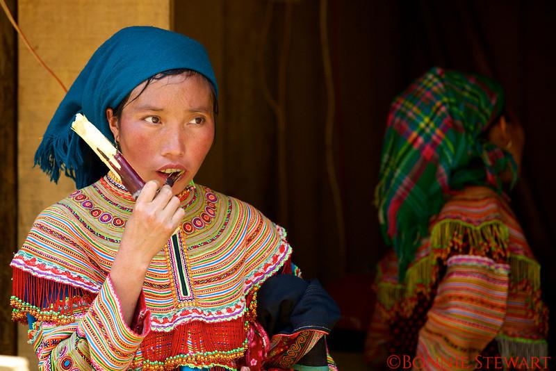 Flower Hmong merchant in the Can Cau Market