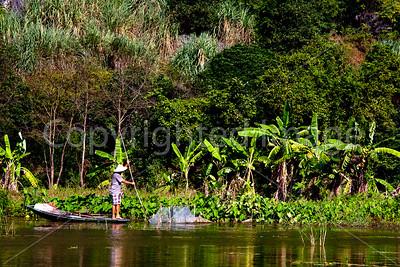 Ngo Dong river at Tam Coc