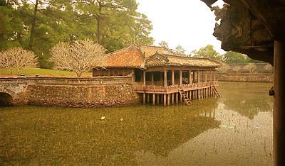 Luu Khiem Lake. Tomb of Tu Duc, keizerlijke graftombes. Hué, Vietnam.
