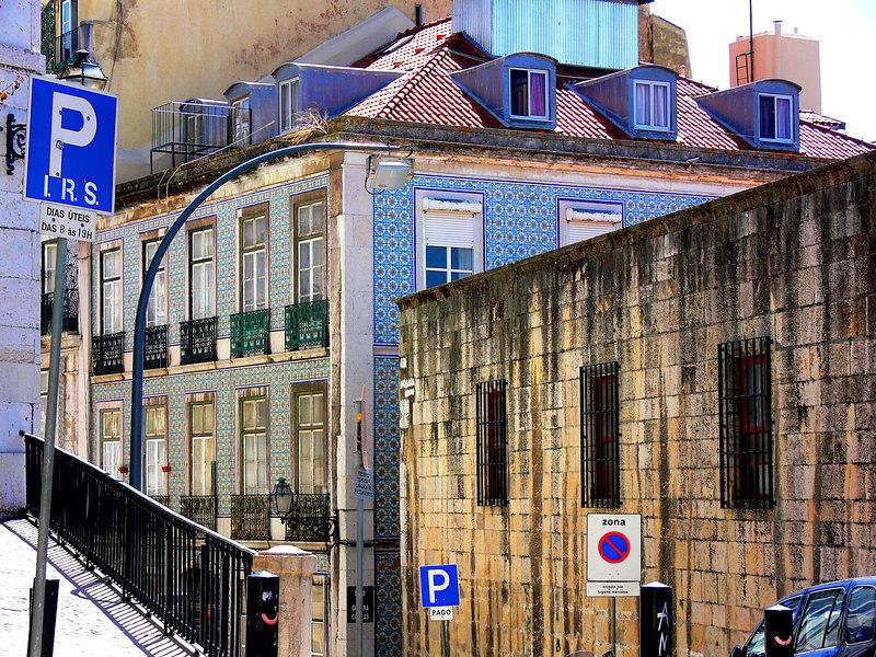 Portugese Tiled building, Lisbon, Portugal