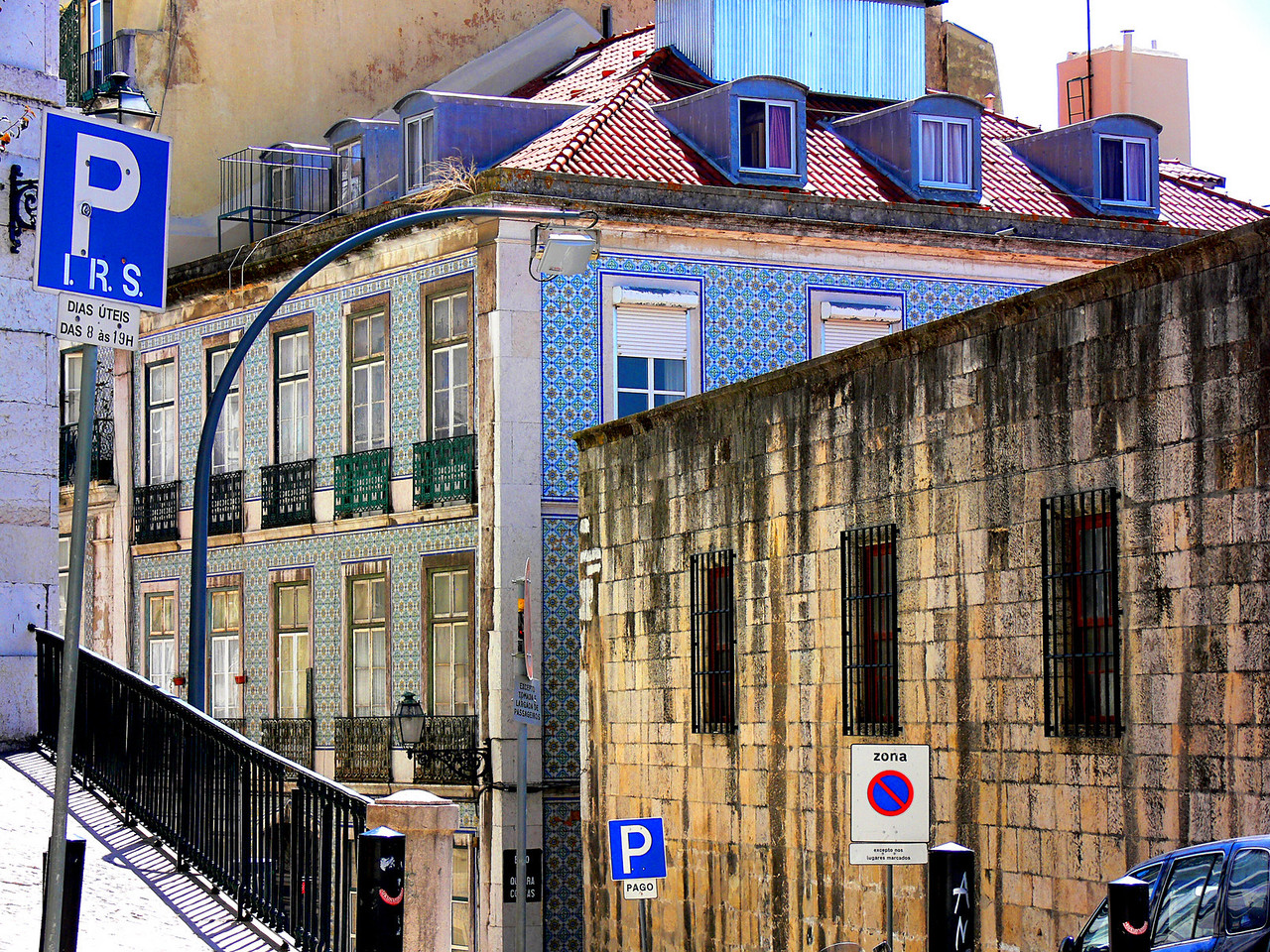 Portugese Tiled building, Lisbon, Portugal