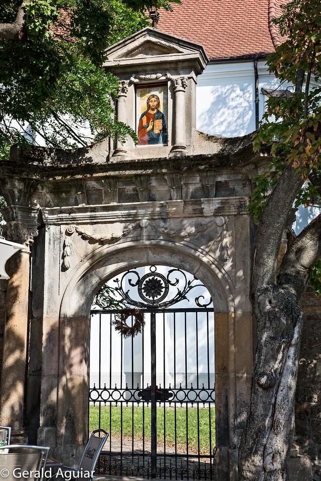 Church Gate in Sventendre
