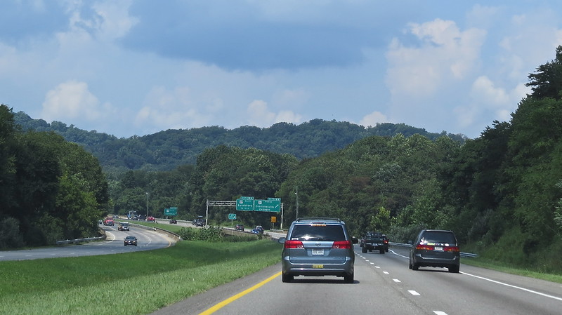 Headed West on I-64 to Shenandoah Valley<br /> Gorgeous day!