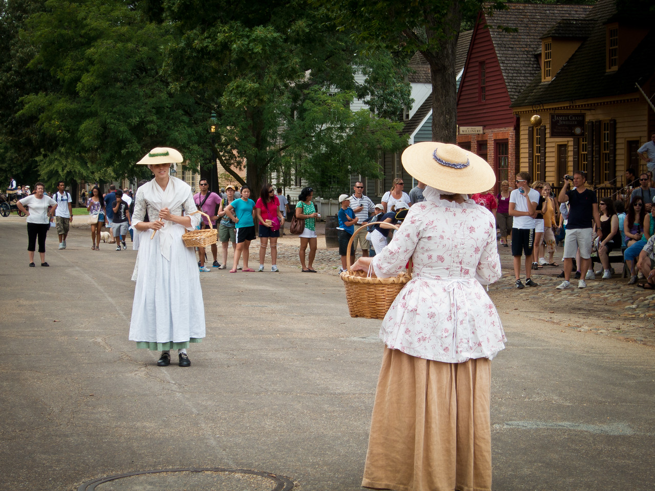 Street performers at Colonial Williamsburg