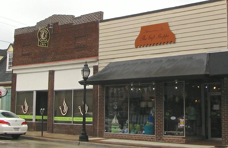 North Main Street Shop & Coffee Cafe - Farmville, VA