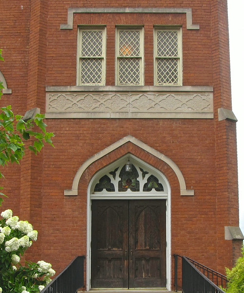 Farmville United Methodist Church<br />  In 1953, the sanctuary was remodeled to its current configuration—a chancel arrangement with divided choir and separate lectern and pulpit with central altar.