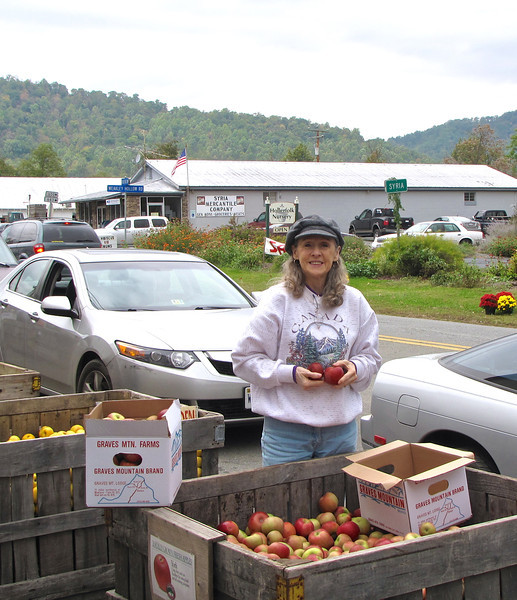 Donna Choosing Apples - Graves Mountain Apple Harvest Festival - 10/19/13