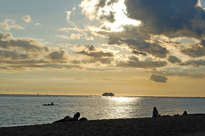 Waiting for Sunset on Waikiki