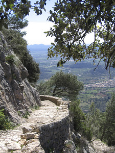 The steps to Castell d'Alaro