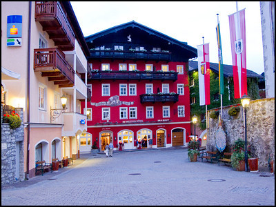 The famous White Horse Inn in St Wolfgang