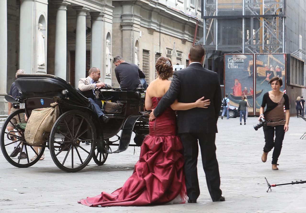 Wedding photos - what incredible backdrops.
