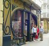 Great Art Deco shoeshop in Haro. Carmel wasn't buying.
