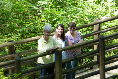 Liz, Diane and Auntie Grace