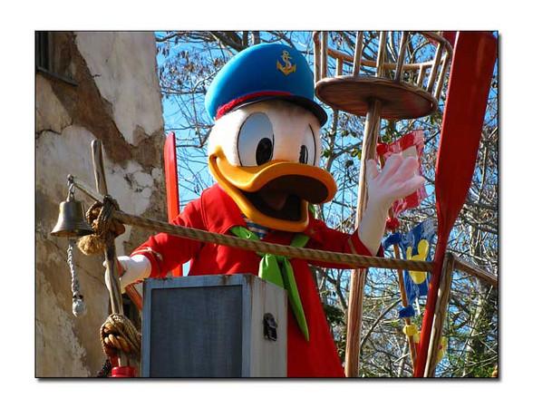 Disney-111w (111652808)