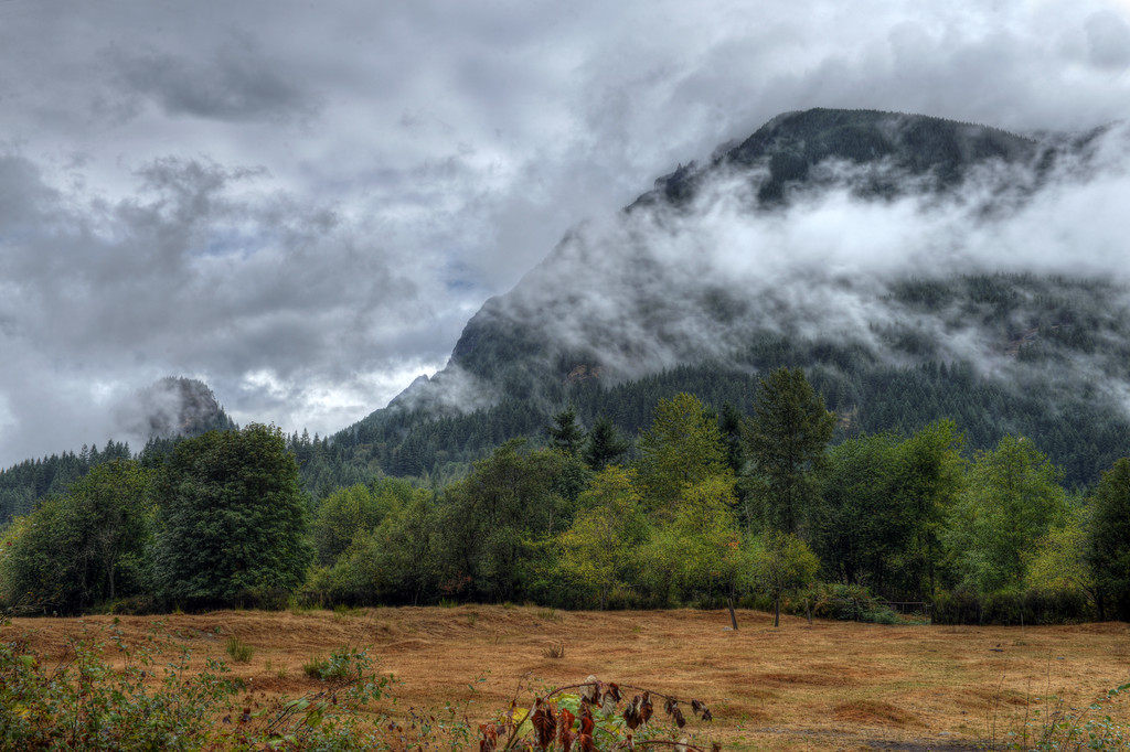 Mount Si low clouds