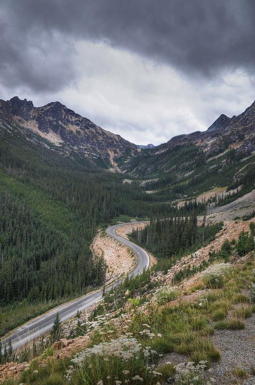 Washington Pass looking north