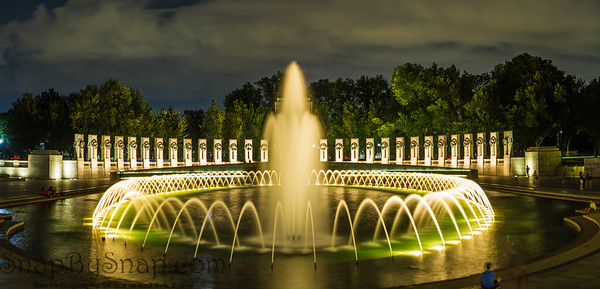 Night time panorama of the World Word II Memorial