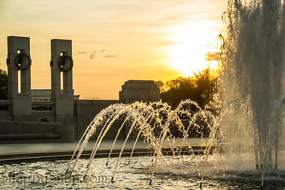 Sunset image of the water fountain at the World War II