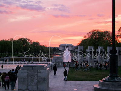 The World War II Monument in the foreground with the Lincoln Memorial in the background.