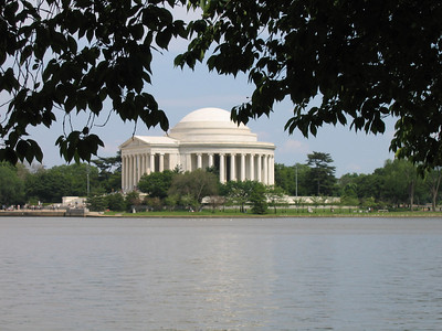 The Jefferson monument and the tidal basin