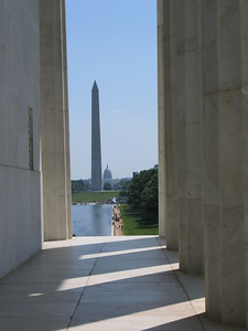 The Washington Monument seen from the Lincoln Monument.